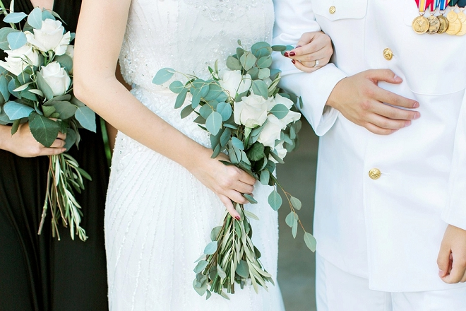 We LOVE this Bride's stunning handmade bouquet!