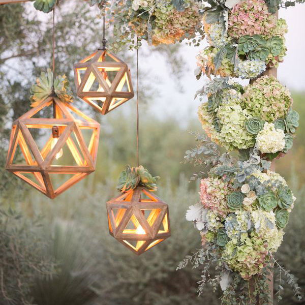 """28 Outdoor Lighting Diys To Brighten Up Your Summer: 12 Ways To Decorate """"Trees"""" At Your Spring Wedding"""