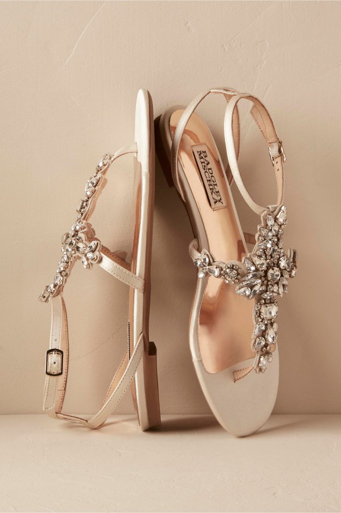 35 pairs of bride bridesmaid flats for your 2017 wedding for Flat dress sandals for weddings