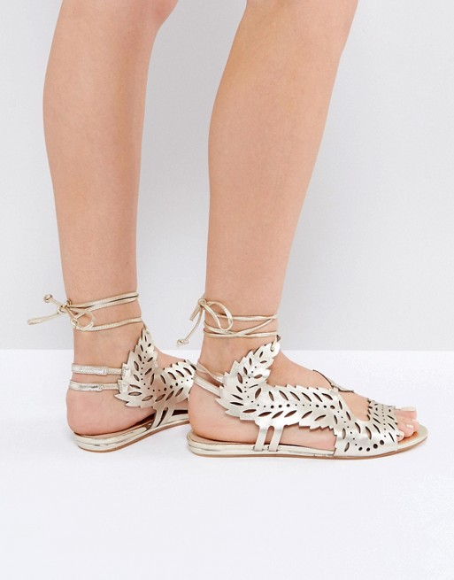 OMG I love these metallic sandals! They would be perfect for my bridesmaids at my wedding!