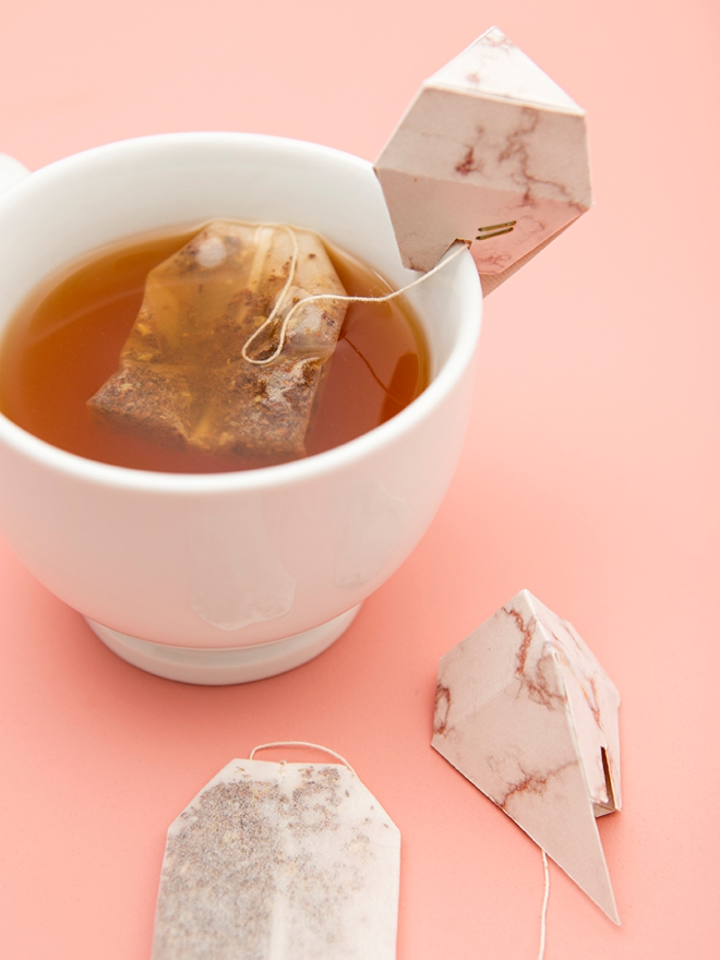 How adorable are these DIY diamond tea bag holders!?