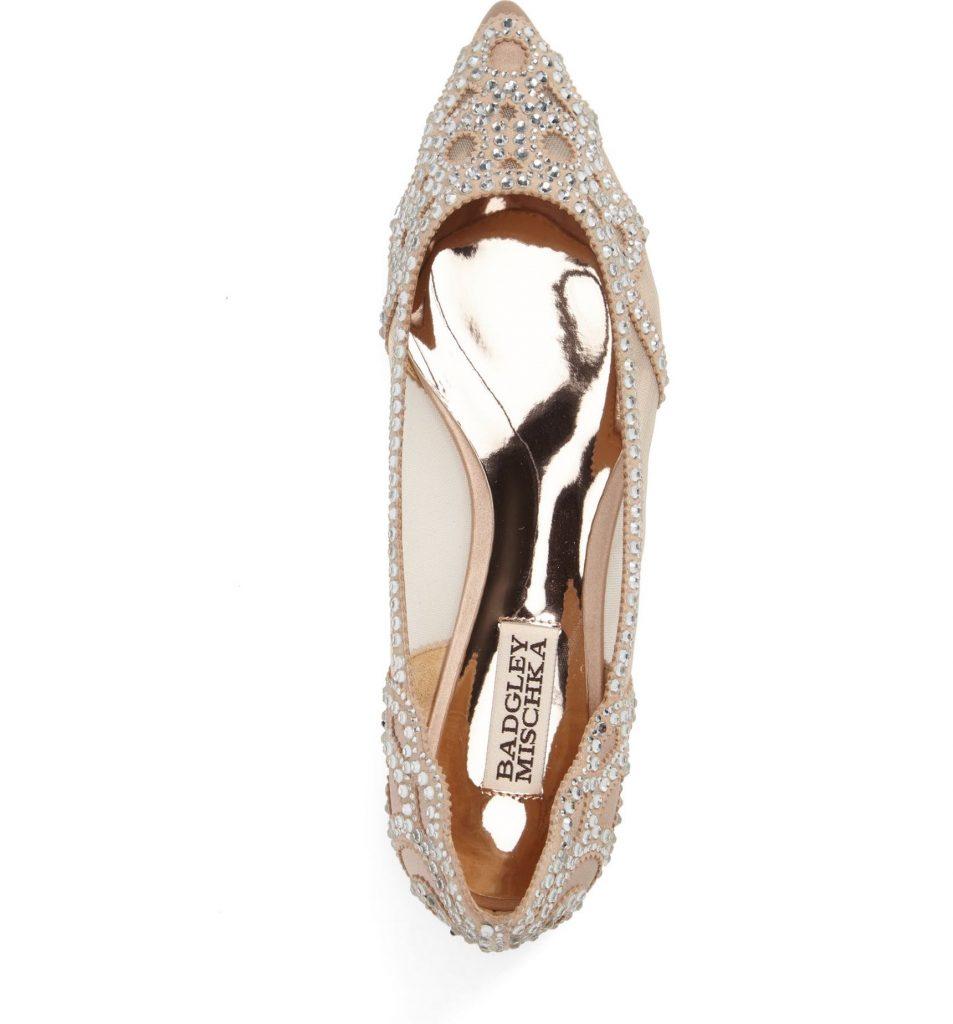 These badgley mischka gigi crystal flats are so feminine and pretty!