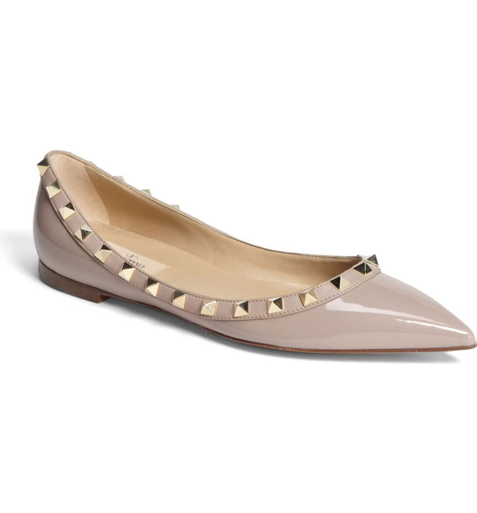 These valentino rockstud ballerina flats are perfect for a backyard summer wedding!
