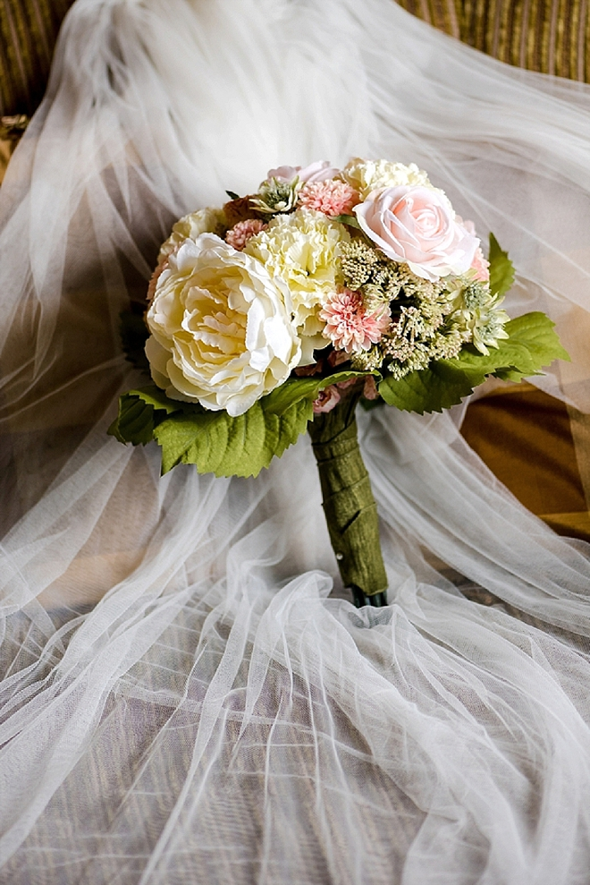 In LOVE with this Bride stunning handmade silk flower bouquet!