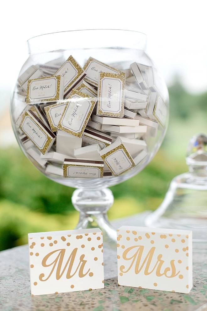 This couple provided customized matches to their guests as favors!