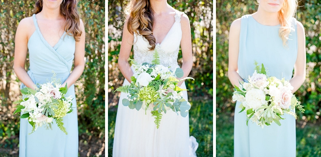 Love this snap of the Bride and her Bridesmaid's gorgeous spring bouquets!