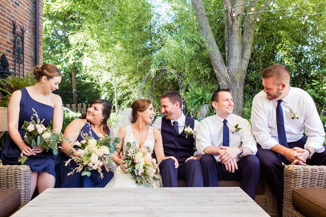 Loving these fun photos of the couple and their wedding party!