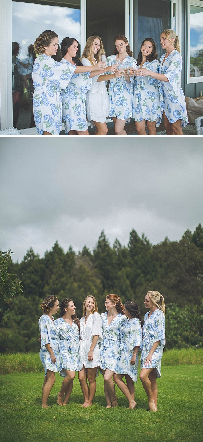 Sweet snap of the Bride and her Bridesmaid's!