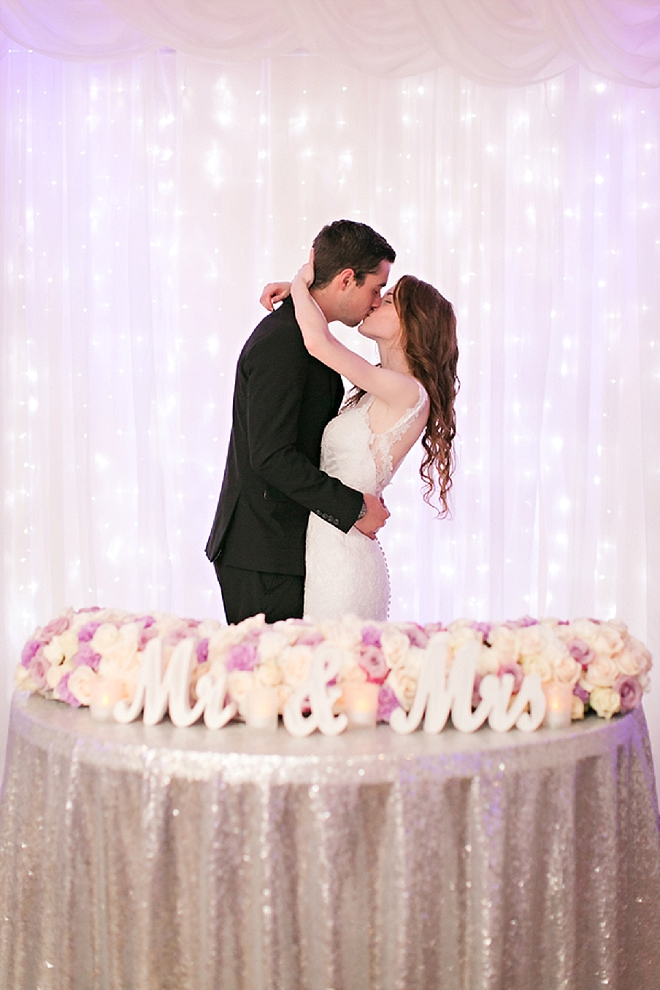 We're crushing on this gorgeous couple and their stunning sweetheart table!