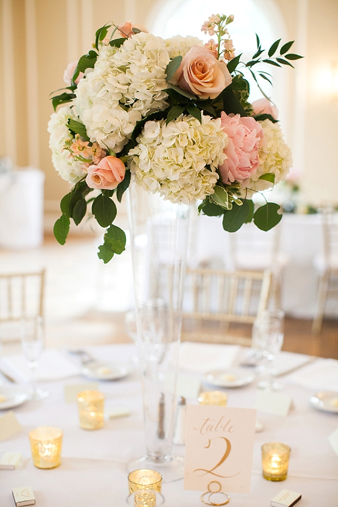 We're crushing on this gorgeous reception and floral centerpieces!