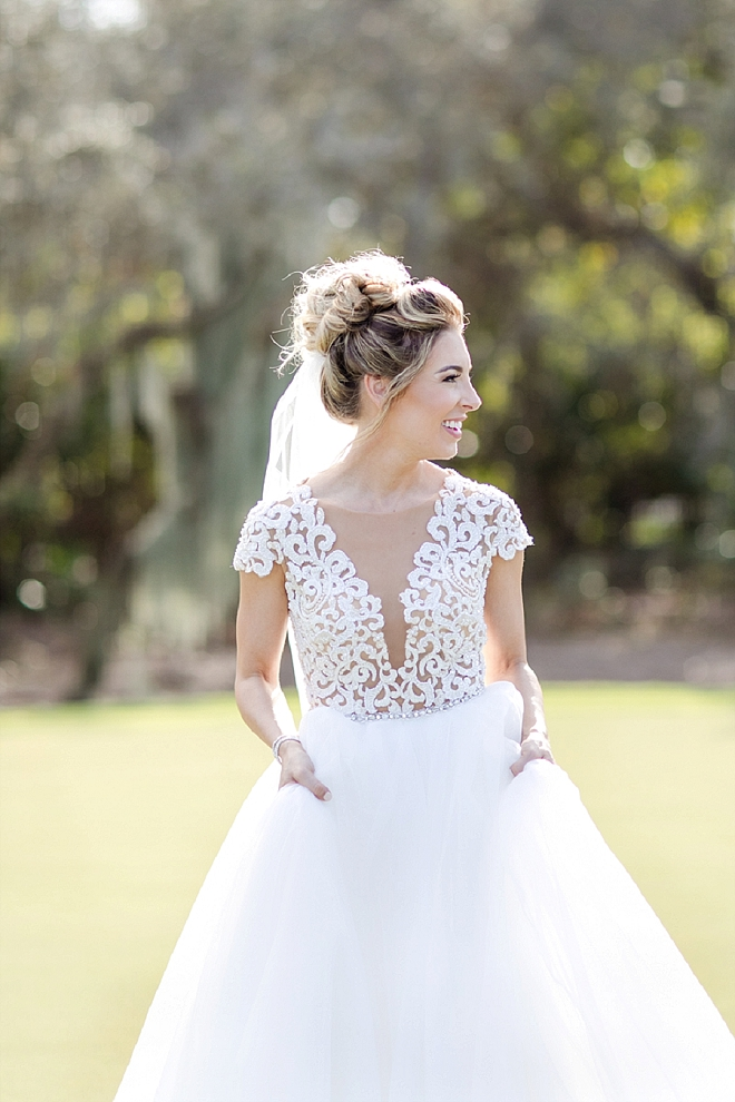 We love this happy snap of this Bride before the ceremony!
