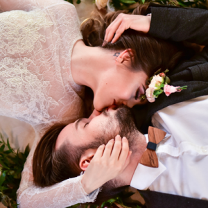 Crushing hard on this super stunning and romantic styled shoot!
