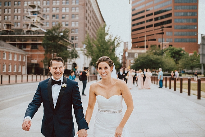 We're swooning over this gorgeous couple and their fun downtown Philadelphia shots!