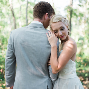 We are in LOVE with this dreamy styled shoot on the blog now!