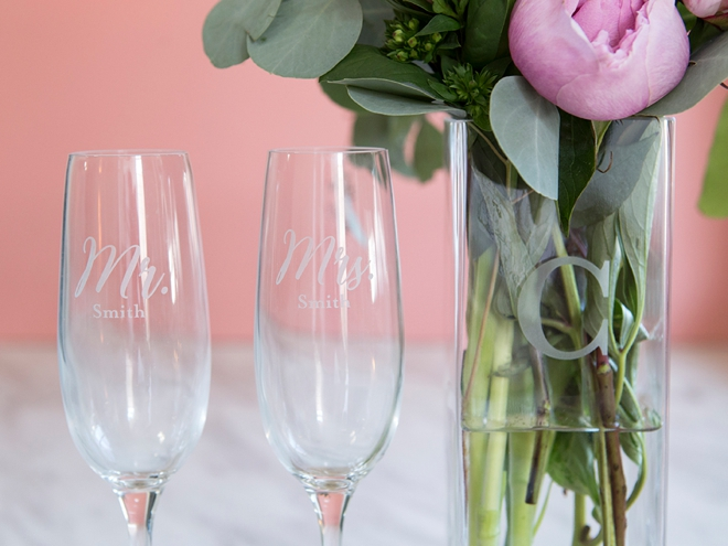 Check out these gorgeous custom Mr and Mrs champagne glasses from Shutterfly!