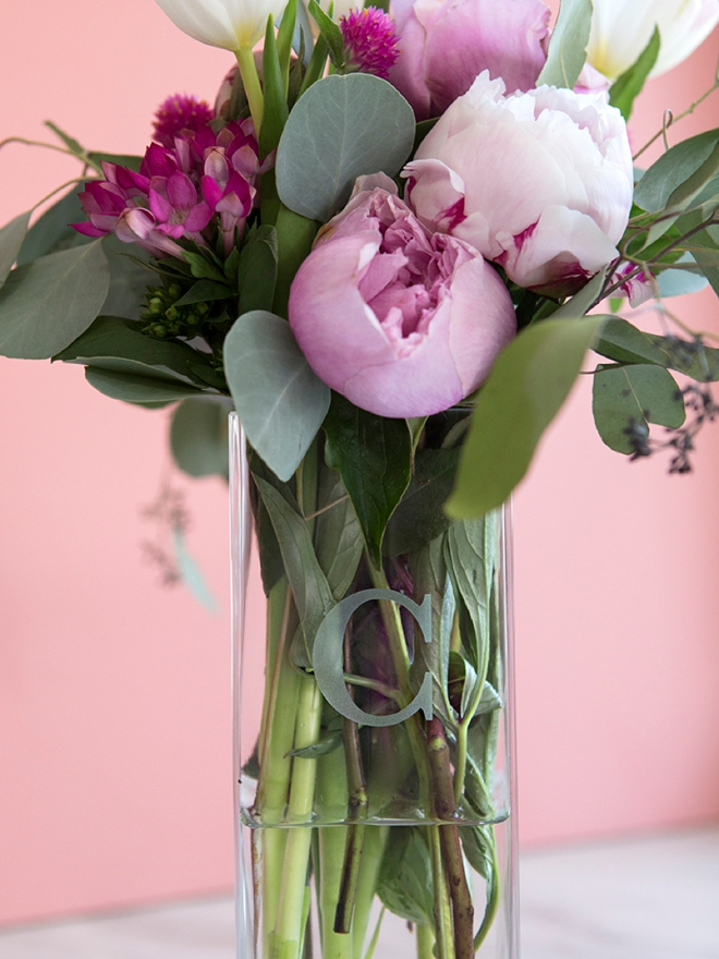 Check out this gorgeous monogramed vase from Shutterfly!