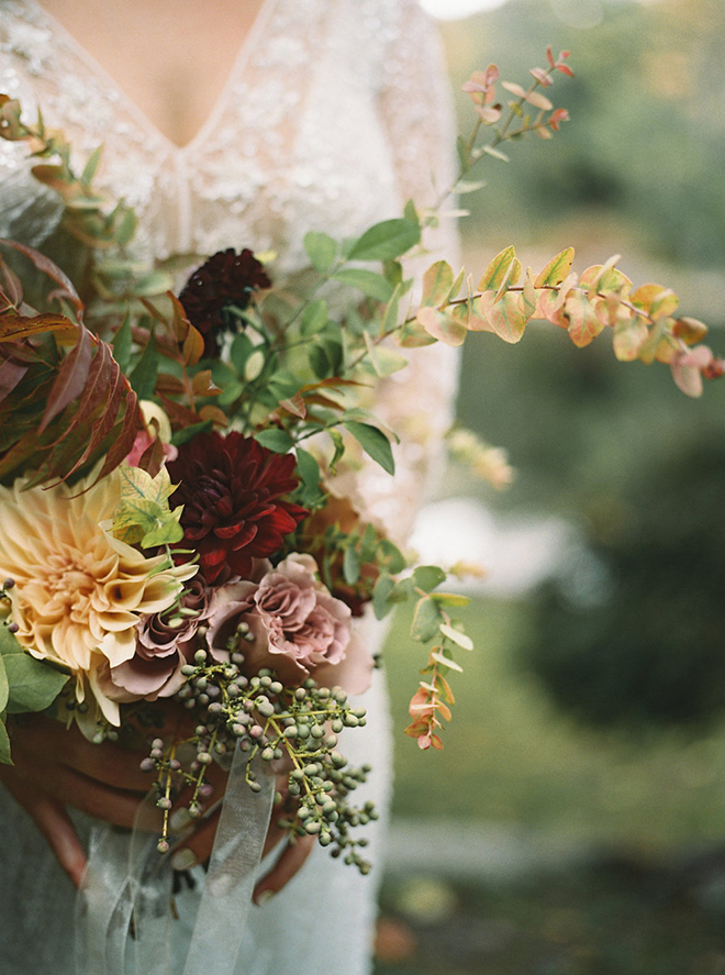 Beautiful fall bridal bouquet.
