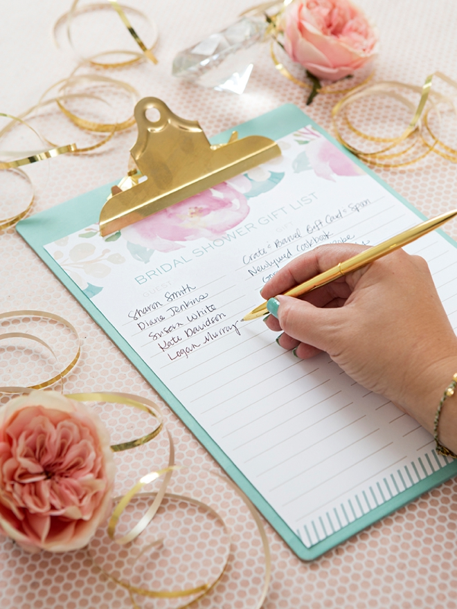 Print This Darling Floral Bridal Shower Gift List For Free