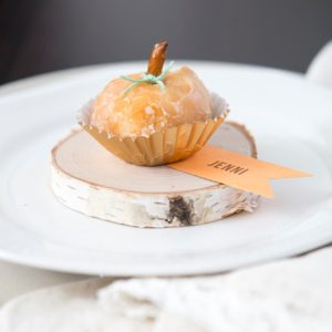 "OMG how cute are these ""pumpkin"" donut hole seating cards!?"