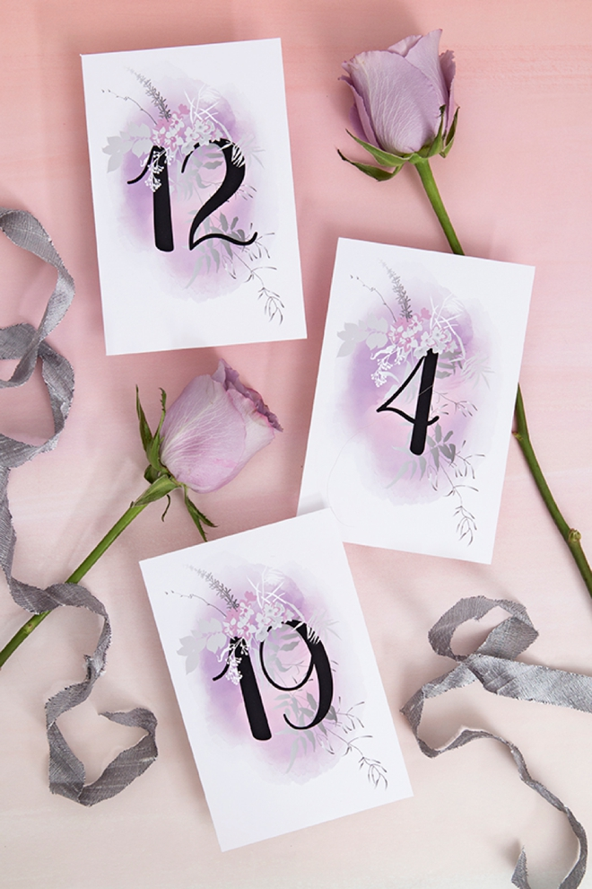 LOVE these free printable lavender and black wedding table numbers!
