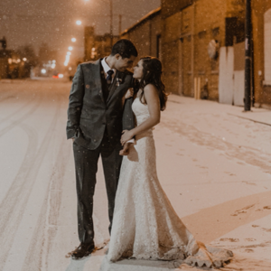 How dreamy is this snowy Chicago wedding?! LOVE!
