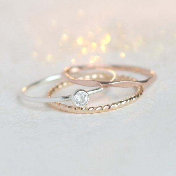 Crushing hard on this delicate and dainty ring set!