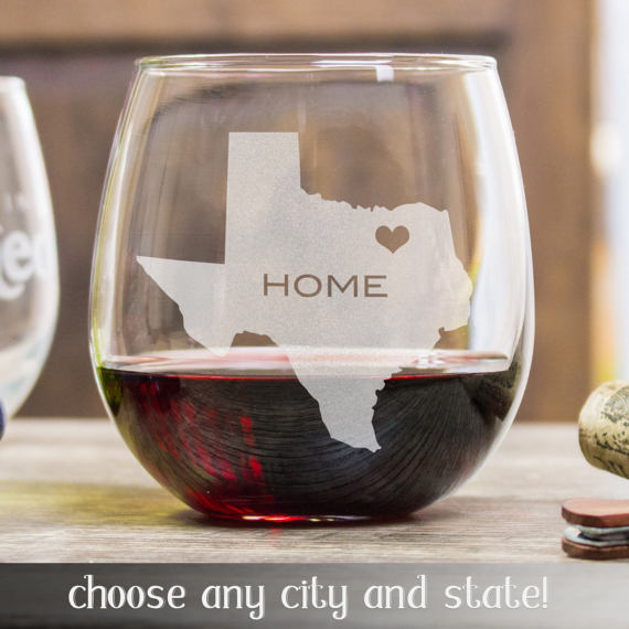 This personalized etched wine glass is a great holiday gift idea!