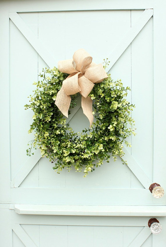 This wreath is the PERFECT everyday wreath! Holds up wonderfully and is gorgeous!
