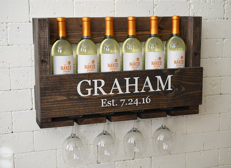 This rustic wine rack is so freaking cute!