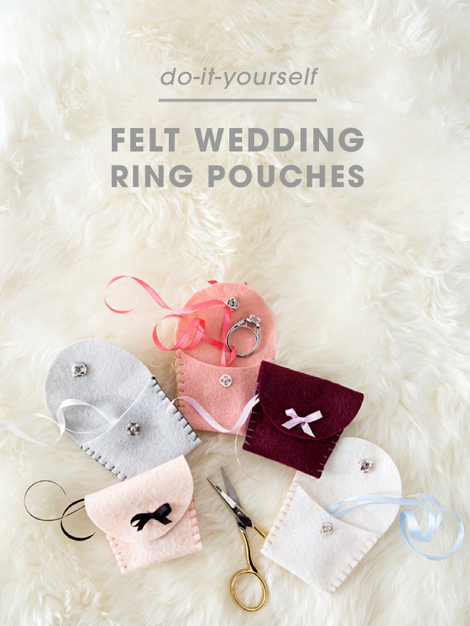 These DIY felt wedding ring pouches are beyond adorable!