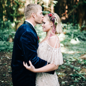 The gorgeous jewel toned colors of this stunning styled shoot are some of our favorites! Don't miss it!