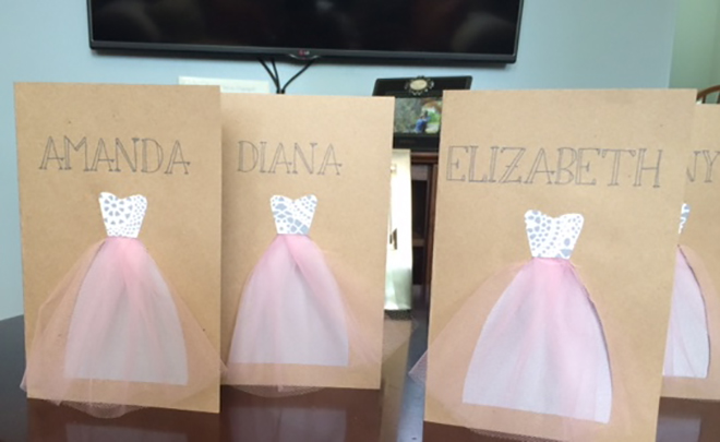 DIY these darling bridesmaid dress card.