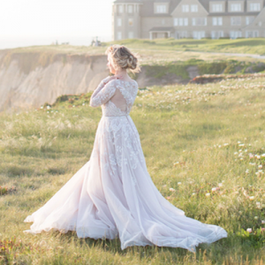 We're crushing on this Ritz Carlton and Hayley Paige dream of a styled bridal session!