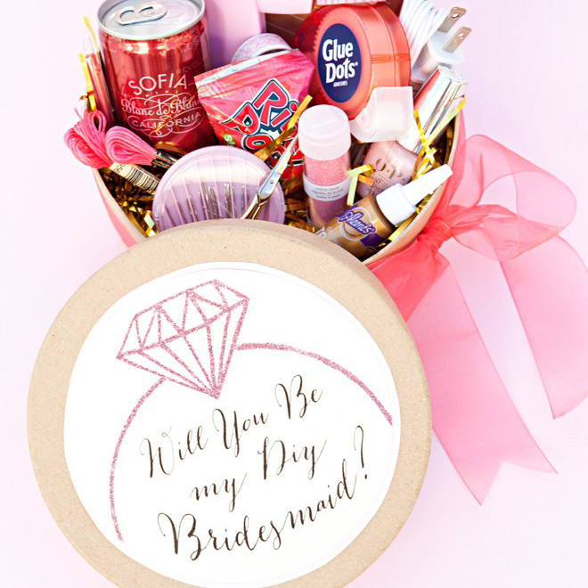 Funny Ways To Ask Bridesmaids To Be In Your Wedding: Darling Ideas To Ask Your Bridesmaids To Be In Your Wedding