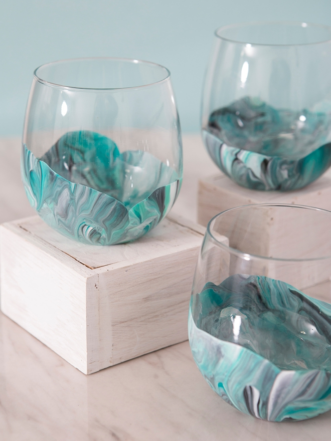 wow these marble wine glasses are diy and crazy easy