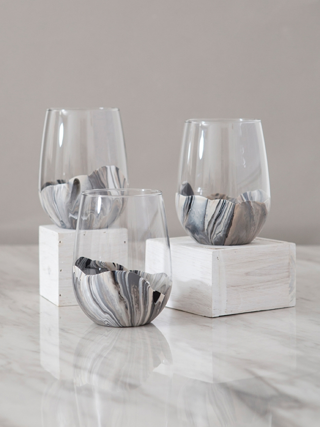 Marble paint your own wine glasses, it's super easy!