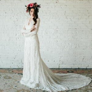 OMG! We can't get over this stunning styled bridal session!