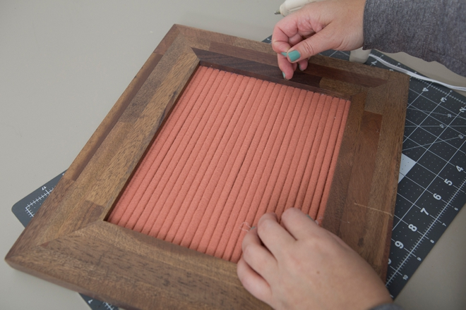 Use any frame and any color felt to make your own letter boards!
