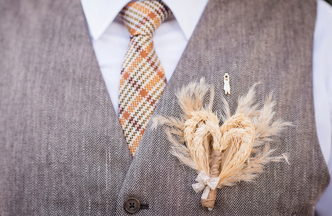 We love a pampas grass boutonniere