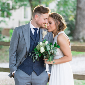 We're in LOVE with this couple and their handmade day!