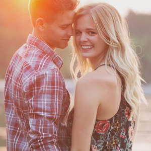 OMG! We're crushing on this super cute couple and their stunning engagement session!