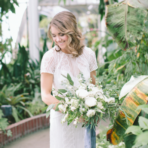 Crushing on this modern and organic styled shoot! So gorgeous!
