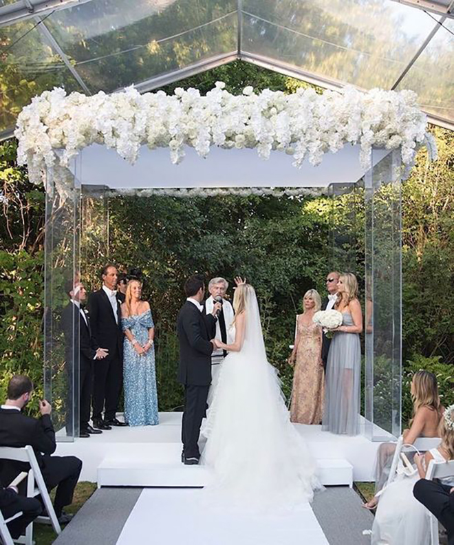 Gah! that is one stunning chuppah!