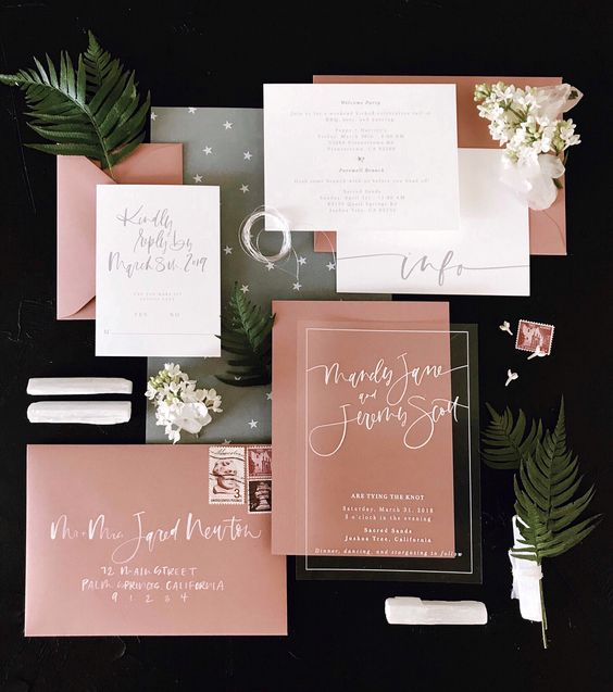 How fabulous would it be to open this acrylic invite!?