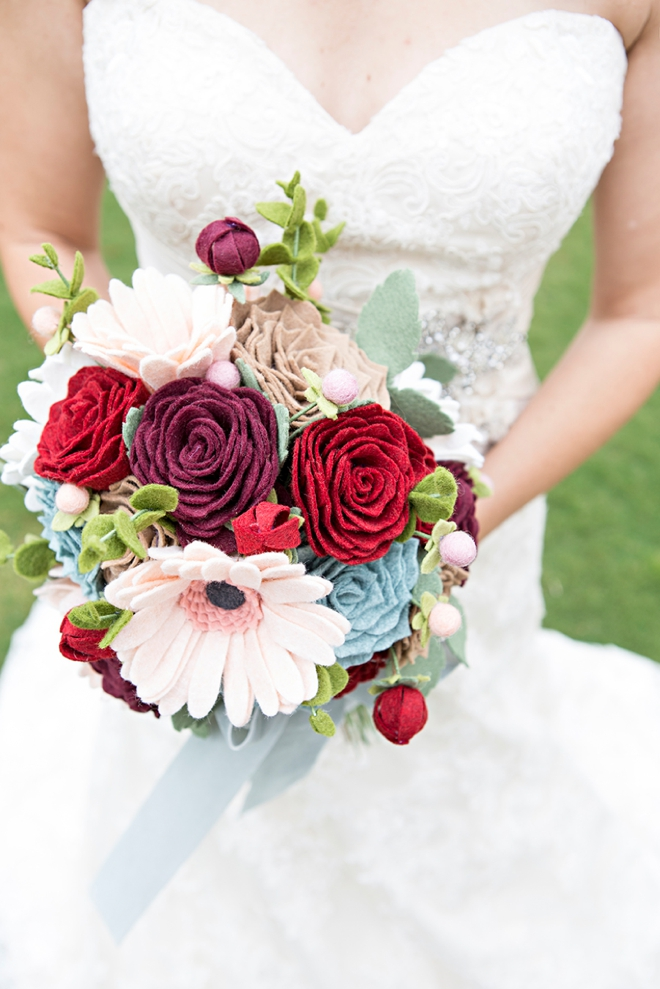 How to make the most gorgeous wedding bouquet out of felt flowers!