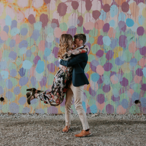 How amazing is this engagement shoot snap!? LOVE!