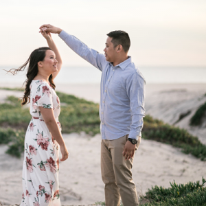 In love with this adorable beach engagement!