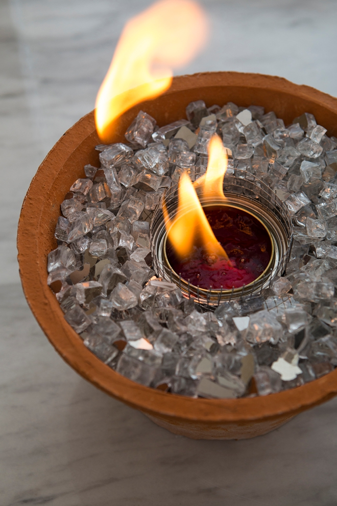 These DIY table top fire pits are easy and gorgeous!