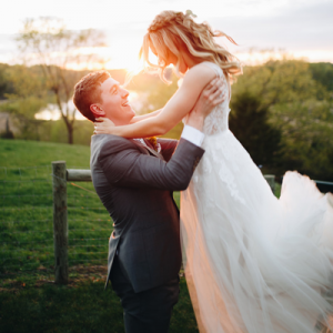 We can't get over how dreamy our Bridal Blogger Carli's wedding day is!!