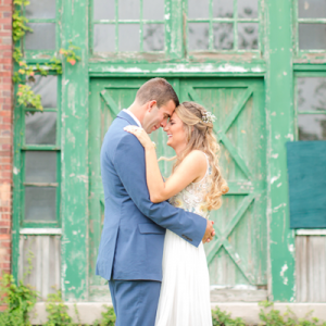 We're SO in love with this bright and beautiful wedding on the blog today!